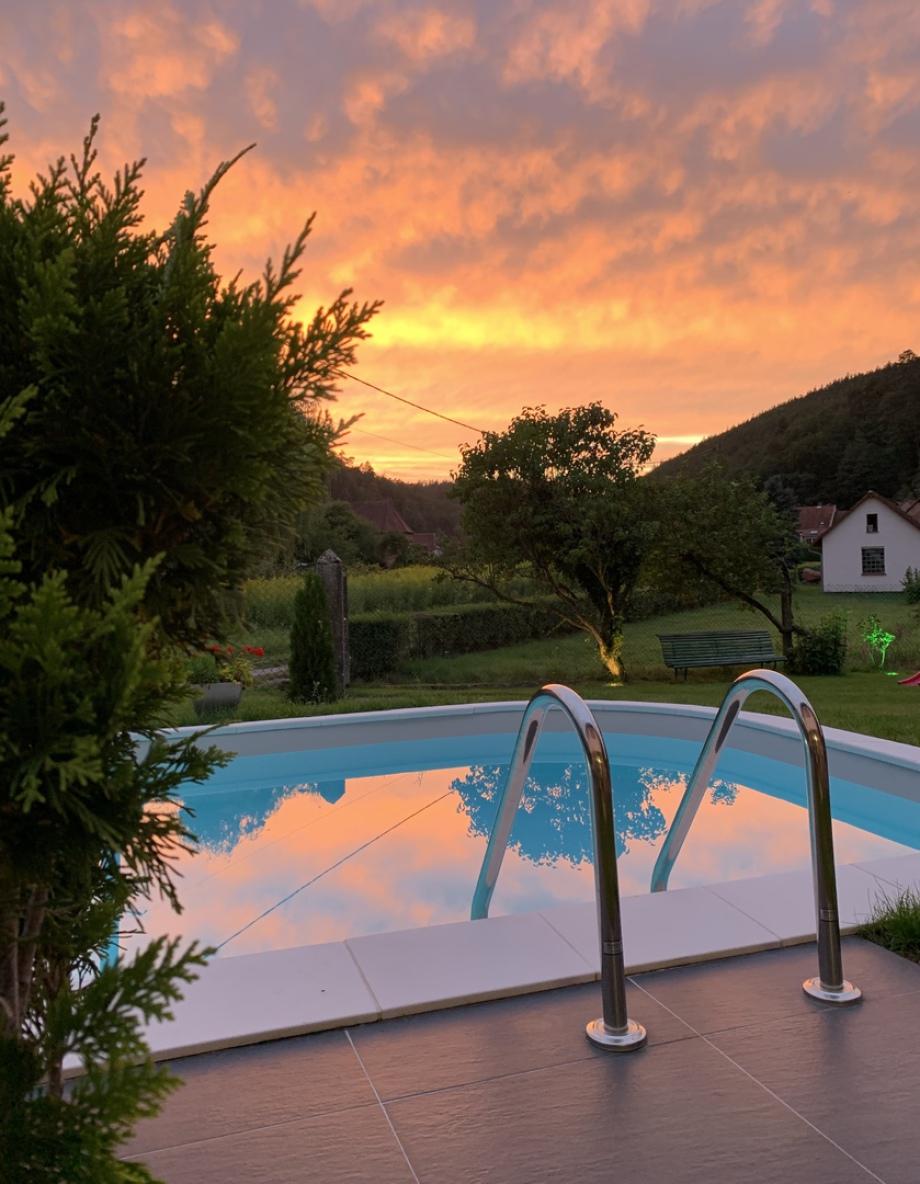 Gîte avec piscine à Sturzelbronn au coeur des Vosges du Nord